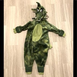 The children's place dragon size 12-24 months